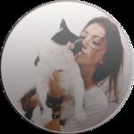 Аватар Девушка целует черно-белого кота