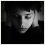Аватар Девушка с закрытыми глазами