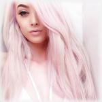 Аватар Милая девушка с розовыми волосами