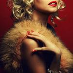 99px.ru аватар Девушка держит руку на плече