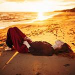 Аватар Девушка лежит на песке, фотограф Marat Safin