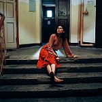 Аватар Девушка сидит на ступеньках, фотограф Marat Safin