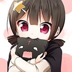 Аватар Девочка прижимает к себе игрушку в виде котенка