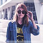 Аватар Девушка в солнечных очках