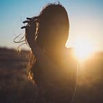 Аватар Девушка стоит на фоне заката, by PATHÉTIQUE