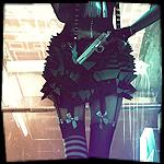 Аватар Девушка в чулках с пистолетом за спиной, автор Rosu Cosmin