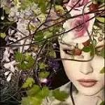 Аватар Девушка в весенних цветах и веточках с ягодами