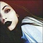 Аватар Девушка с черными губами