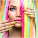 Аватар Девушка с разноцветными ногтями и волосами