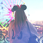 99px.ru аватар Девушка на фоне колеса обозрения