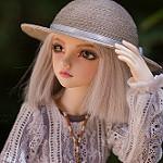 Аватар Девочка-кукла в шляпе