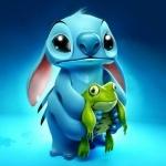 Аватар Стич / Stitch из мультфильма Лило и Стич / Lilo & Stitch с игрушкой лягушонка в лапах