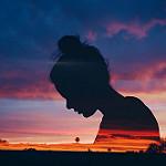 Аватар Силуэт девушки на фоне облачного неба, by Emily Acosta