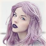 Аватар Девушка с сиреневыми волосами и с фиолетовой помадой на губах