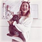 Аватар Девушка и кот в ободочках с оленьими рожками