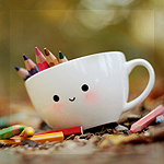 Аватар Милая кружка с цветными карандашами стоит в осенних листьях, by meganjoy