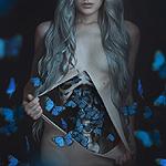 Аватар Девушка с голубыми бабочками в животе, by anyaanti