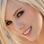 Аватар Американская порноактриса и модель Бритни Маклин / Britney Maclin, известная под сценическим псевдонимом Биби Джонс / BiBi Jones