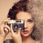 Аватар Девушка с фотоаппаратом в руках