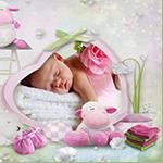 Аватар Маленький ребенок на фоне розы, барашка и детских вещей