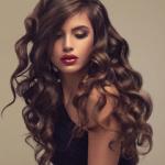 Аватар Красивая модель с волнистыми волосами