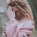Аватар Девушка со стаканом кофе