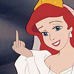 99px.ru аватар Ariel / Ариэль из мультфильма Little Mermaid / Русалочка, одетая в свадебный наряд показывает средний палец