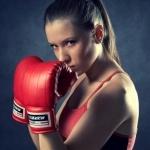99px.ru аватар Девушка в красных боксерских перчатках блокирует руками взгляды