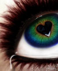 Девушка сердце глаз