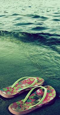 Обои тапочки,море