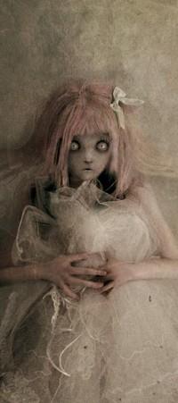 Обои кукла в свадебном платье