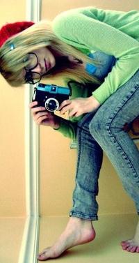Новое фото эмо девушек блондинок с фотоаппаратом порно звезды