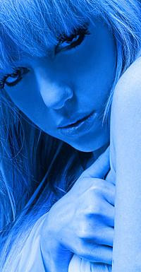 Аватар вконтакте Портрет девушки в синих тонах