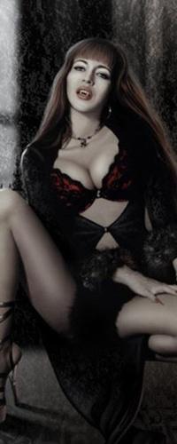 Трахнул сексуальную вампиршу видео