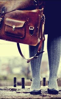 Обои Ноги и портфель