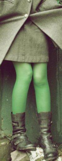 девушка в салатовых колготках