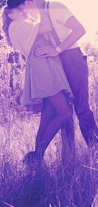 Красивое фото парень обнимает девушку