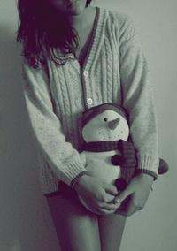 фото девушек с игрушкой
