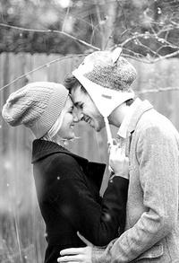 Аватар вконтакте Парень и девушка счастливы этой зимой