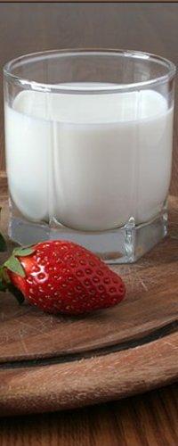 Обои Клубника и молоко