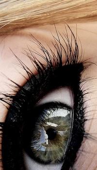 Обои Глаз девушки крупным планом
