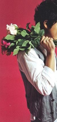 Парни с цветами на аву 3