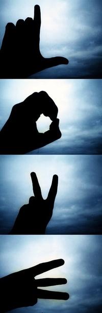 Аватар вконтакте Слово LOVE составленное руками