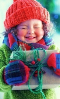 99px.ru аватар Миленькая девочка с подарком