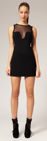 Девушка в коротком черном платье фото 203-229