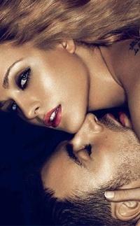 Аватар вконтакте Парень целует девушку в шею