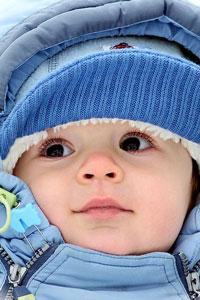99px.ru аватар Укутанный маленький ребёнок в капюшоне