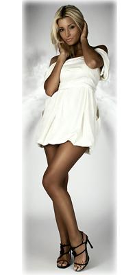 Блондинка в белом платье и чулках фото 658-64