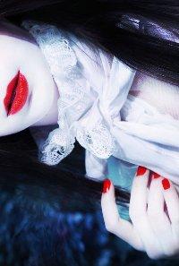 Аватар вконтакте Девушка с алыми губами и ногтями