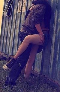 бренды мужчина прижал девушку к стене походе, если появился